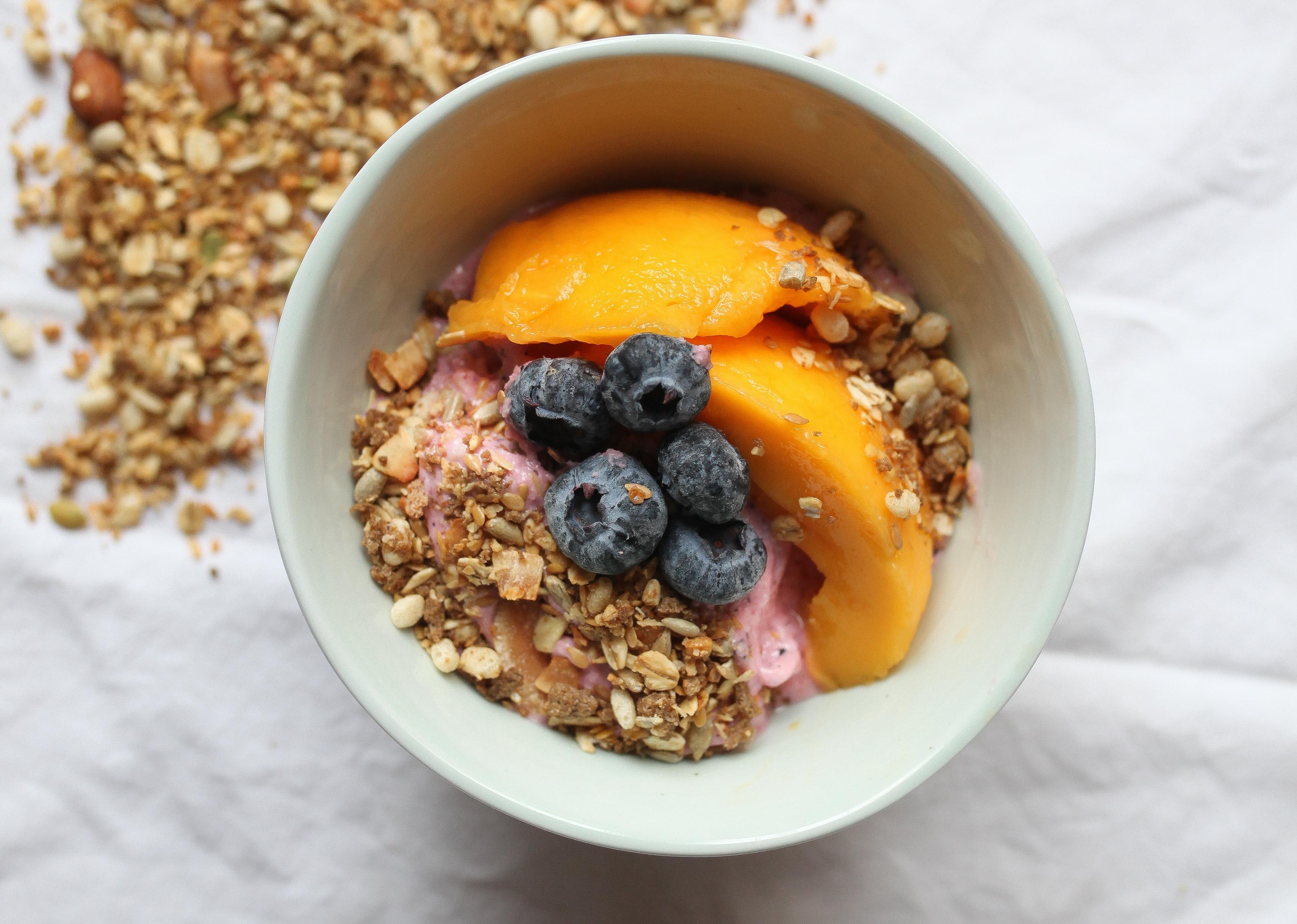 smothie bowl con granola